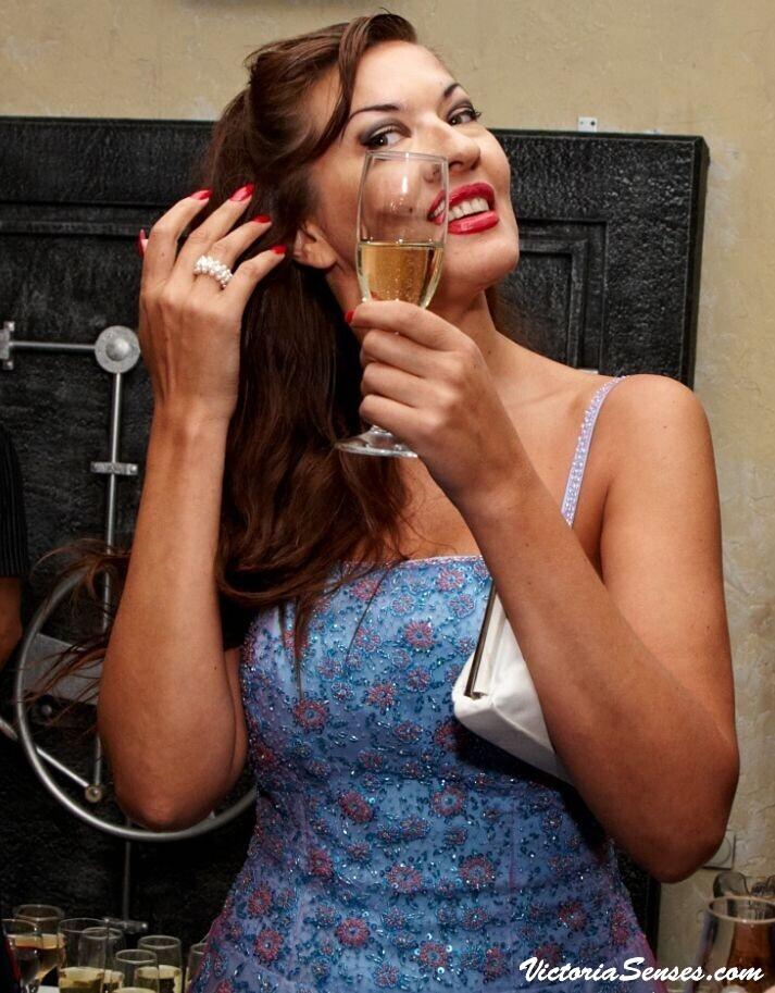 вино и сигары, сигары и шампанское, сочетание шампанское с сигарами, сигары с вином